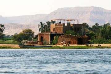 Living by the Nile