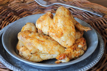Chicken wings. Alitas de pollo