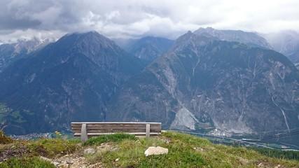 Bank am Berg und Panorama