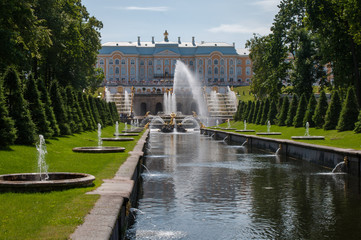 Petergof: The Samson fountain St Petersburg, Russia