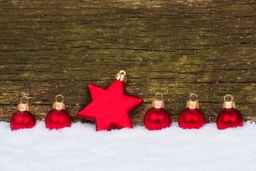 Weihnachtskarte mit Stern und Kugeln