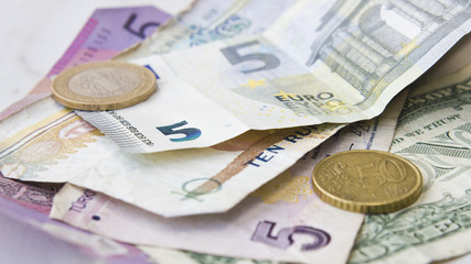 World cash currency