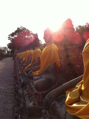 bouddhas de pierre
