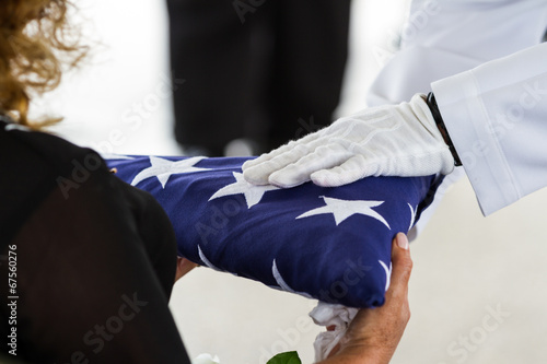 Poster Military funeral, handing the Flag to the widow