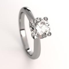 Anello diamante solitario fidanzamento