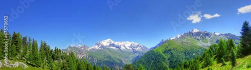 Panorama des Alpes en été © Gamut