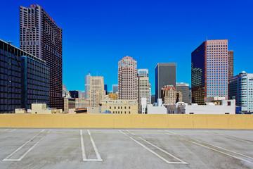 Parkplatz über den Dächern der Stadt – San Francisco