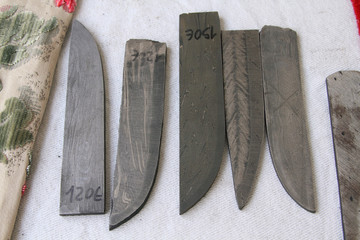 operazioni di forgiatura coltelli