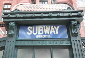 Brooklyn Queens subway sign
