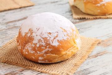Powdered sugar sweet buns