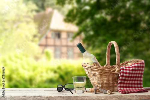 Aluminium Picknick Picnic for one Person in a countryside Landscape