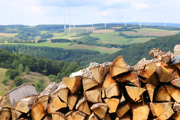 Scheitholzstapel im Hunsrück