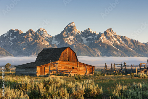 Poster Natuur Park A Sunrise of Moulton Barn in the Grand Teton National Park, WY