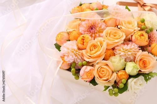 Fotobehang Dahlia プレゼント、花のアレンジ
