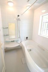 住まいのバスルーム(オーバル型浴槽)-057