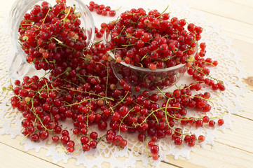 Red currant in two glass bowls
