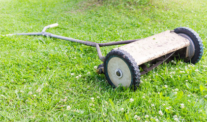Retro manual lawnmower