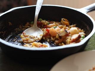 паэлья, рис, морепродукты