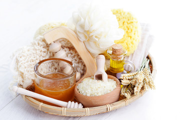 relaxing honey bath