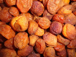 Uzgen dried apricot