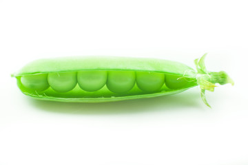 green peas macro isolated on white