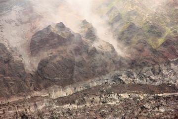Cratere del Vesuvio che fuma