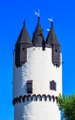 Bergfried-Turm im Schlosspark von Hanau-Steinheim