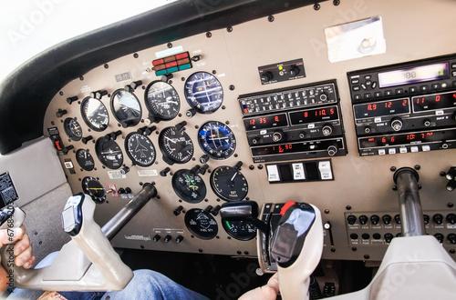 Poster Luchtsport Airplane navigational controls.