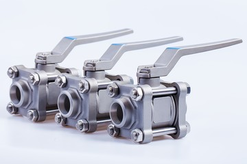 Row from three ball valve