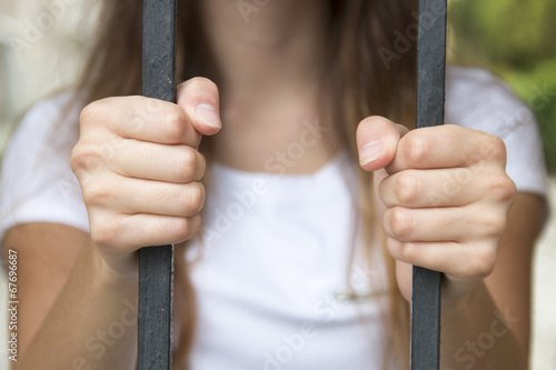 Poster hand in jail