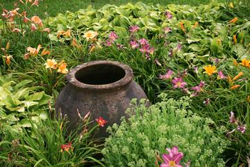 Amphore mit Blumen