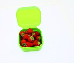 boite plastique pour la conservation des fruits au frigo