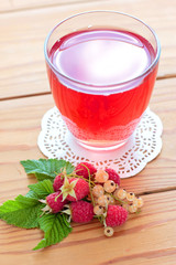 Raspberry and white currants compote