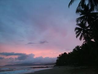Atardecer en playa Quizales.Costa Rica