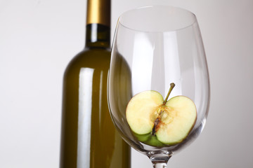 White wine and apple