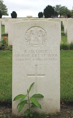 Grave of unknown WW1 soldier of Cameron Highlanders