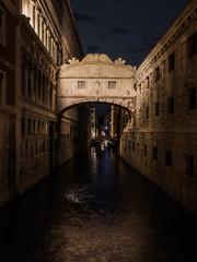 Venedig - Seufzerbrücke in der Nacht