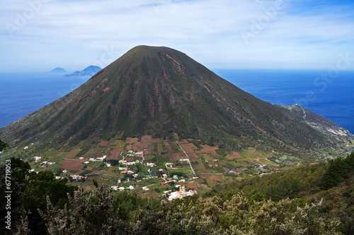 Deurstickers Vulkaan Italian Aeolian Islands mountain volcano in Sicily