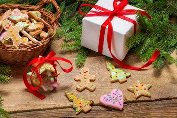 Preparing gingerbread cookies as a gift