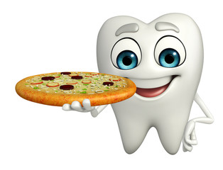 Teeth character with pizza