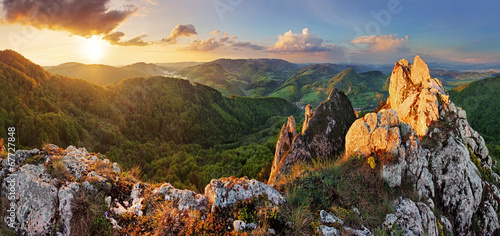 Fotobehang Bergen Rocky moutain at sunset - Slovakia