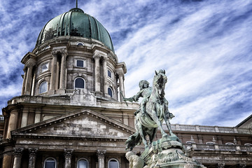 Budapest statue and palace