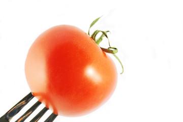 tomate auf gabel