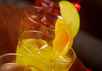 set tropical cold cocktail