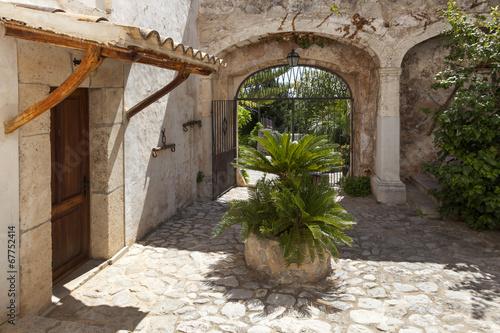 canvas print picture Eingang einer Finca auf Mallorca