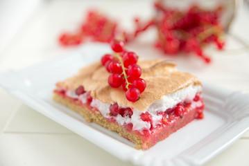 Johannisbeer Baiser Kuchen
