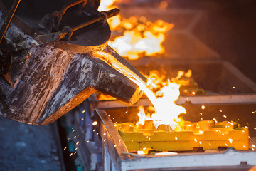 metal pouring in casting line production