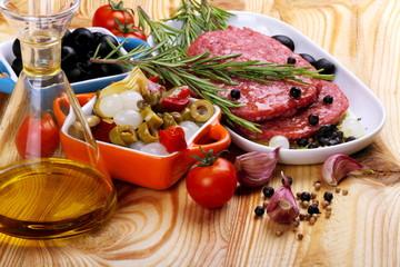 Carne macinata con spezie e contorno
