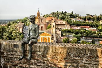 statue of sitting boy