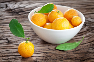 Tangerines in a bowl.